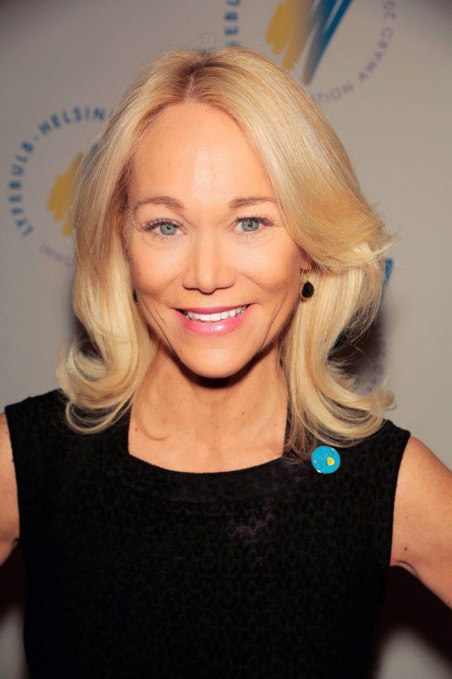 Karin M Hehenberge